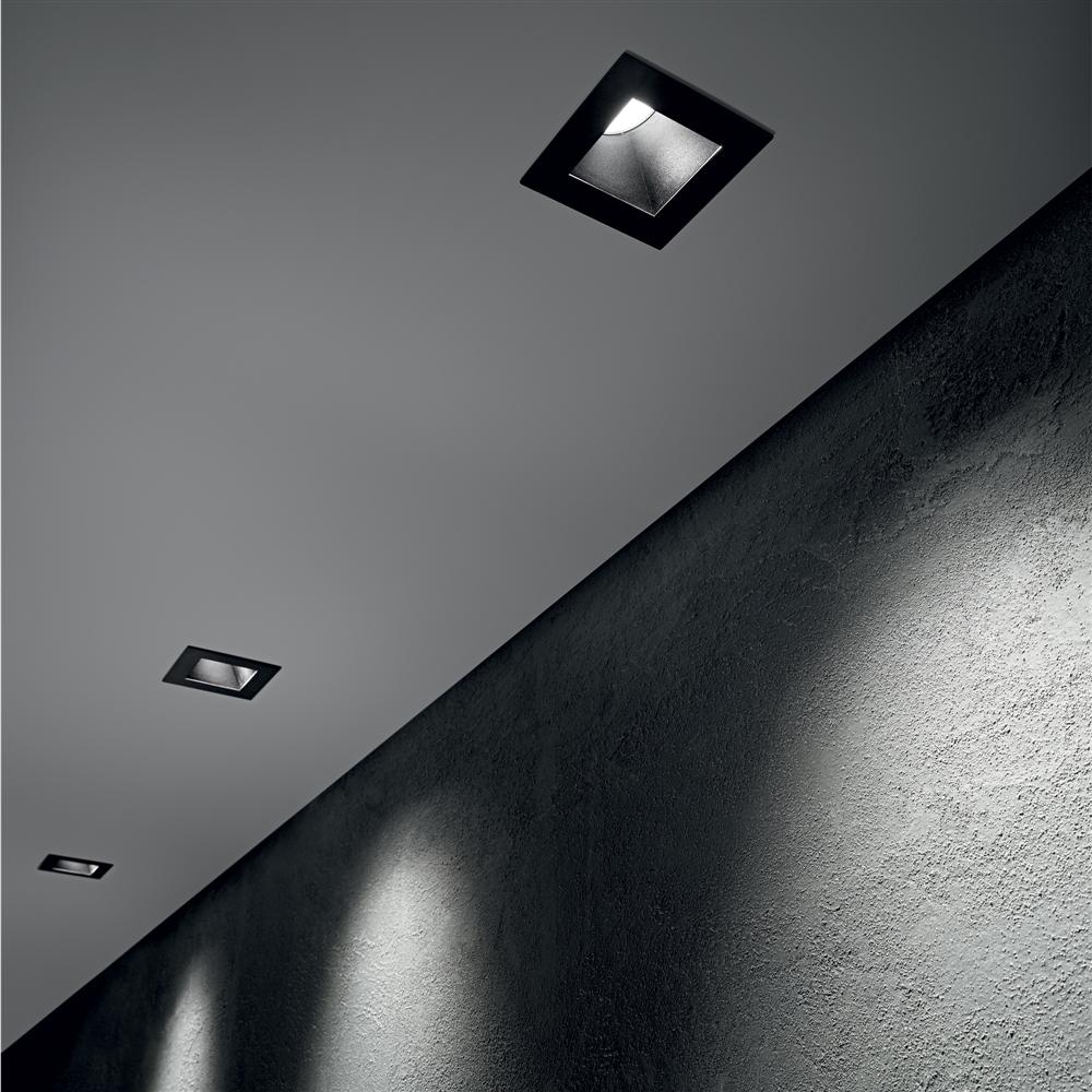 DYNAMIC - ugradna plafonska svetiljka