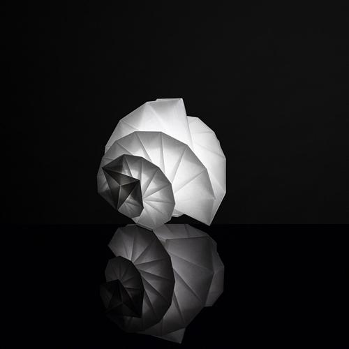 MENDORI - stona dekorativna svetiljka