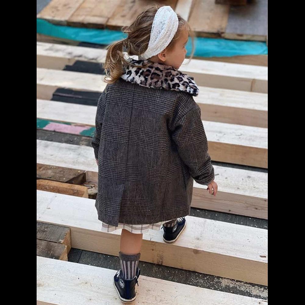 Čarapice lurex prugice na sivo