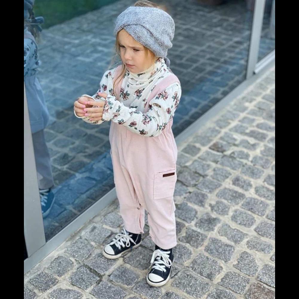 Bebi roze somotne pantalone na tregere