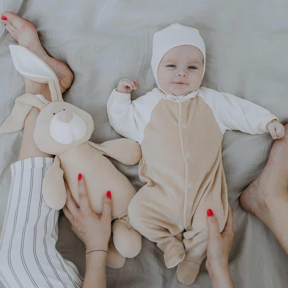 Odelce za bebe od organskog pamučnog velura sa zatvorenim stopalima