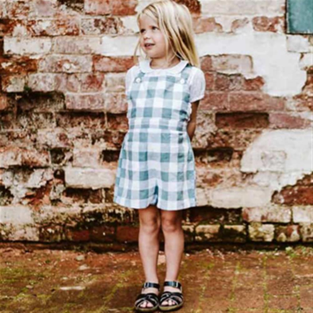 Retro šorc belo plave kockice na tregere i za dečake i za devojčice