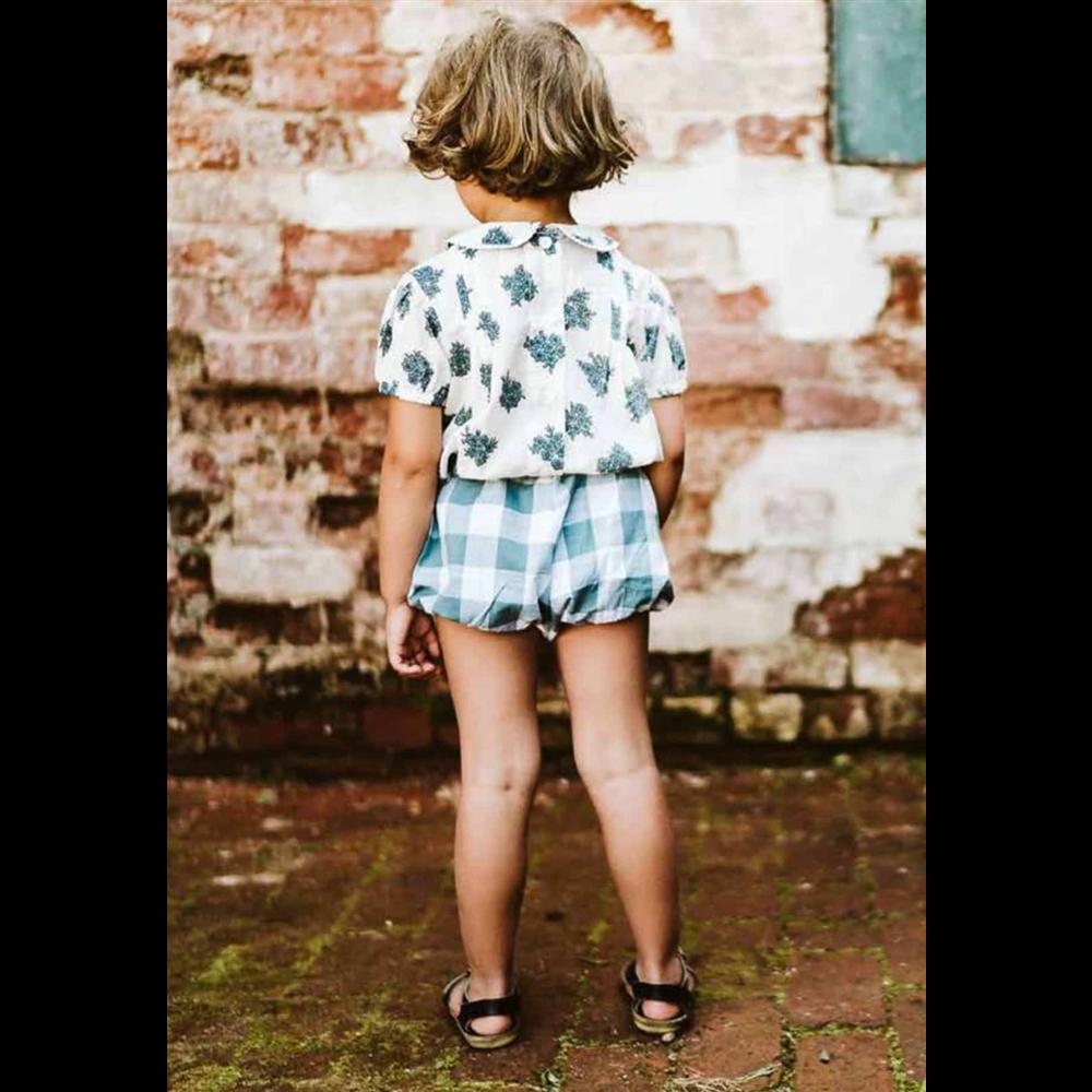 Retro šorc za male devojčice za letnje tople dane/belo svetlo plave kockice dezen