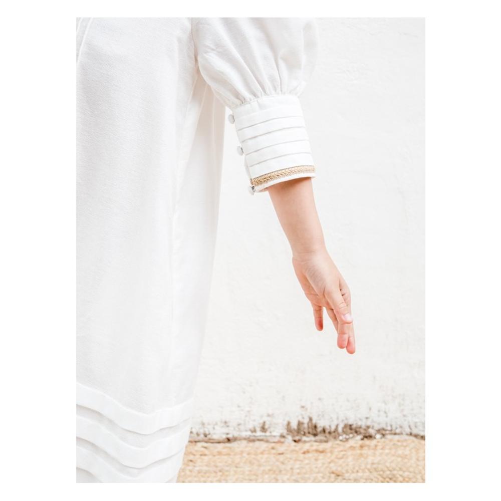 Bela haljina od organskog pamuka sa vezom i puf rukavima