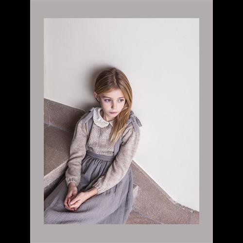 Džemper elegantan za devojčice bež boje sa pamučnom izvezenom kragnicom