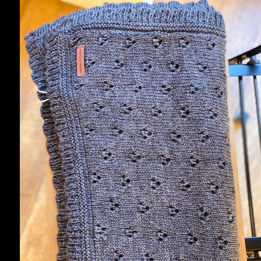 Ćebence sa radom sive  boje od vune za bebe