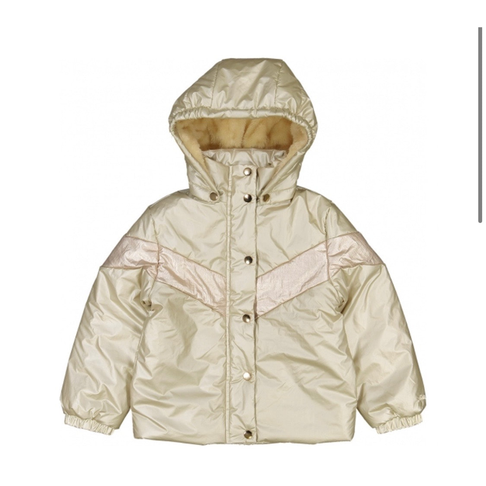 Jakna topla,zimska, podstavljena krznom prelepog dizajna i boje