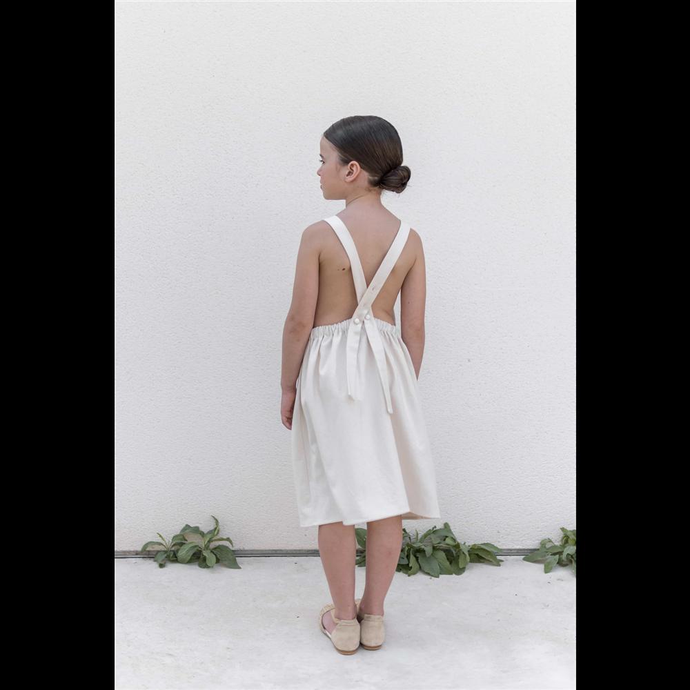 Bež svetla boja haljina na tregere od organskog pamuka izuzetna sa džepovima i cvetnim detaljima