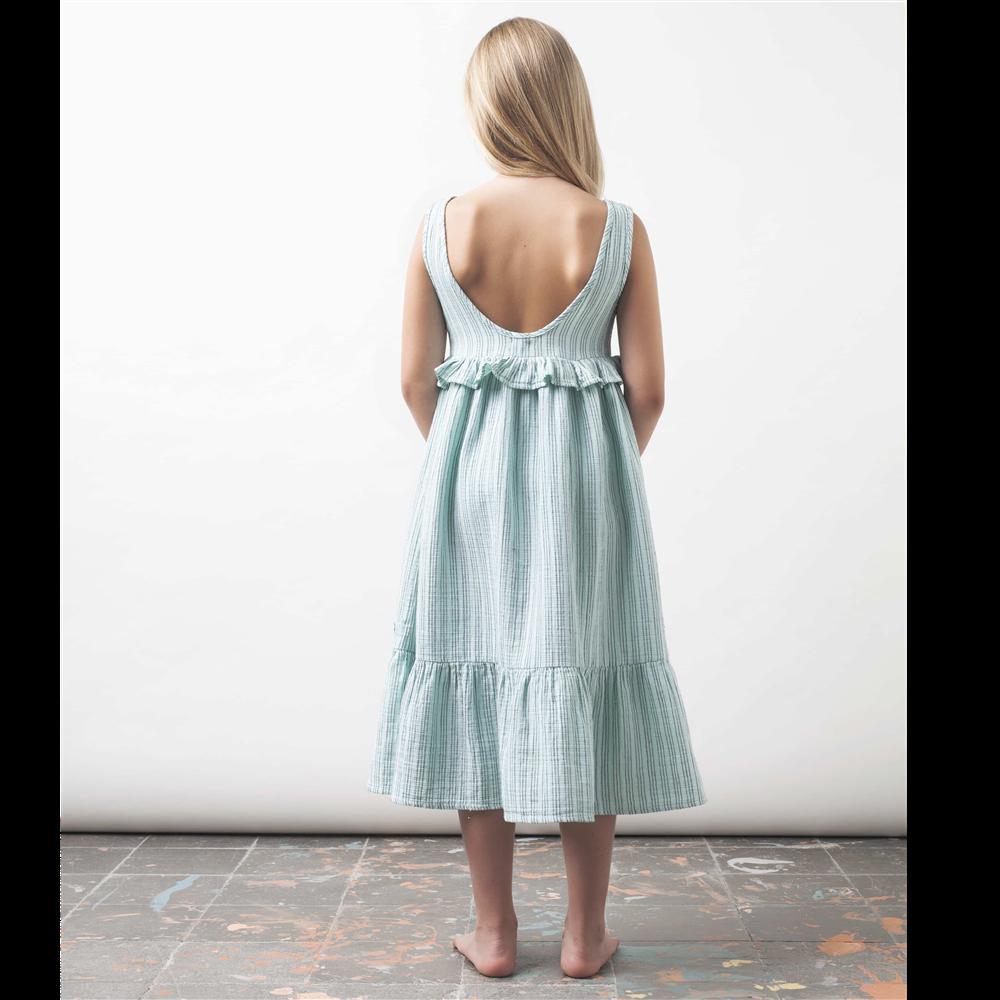 Letnja haljina na bretele  i sa dubljim izrezom na ledjima