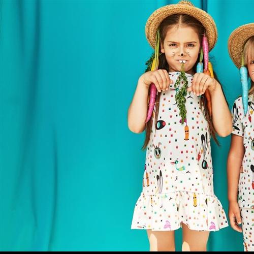 Haljina bez rukava sa motivom zečića sa šargarepom od organskog pamuka