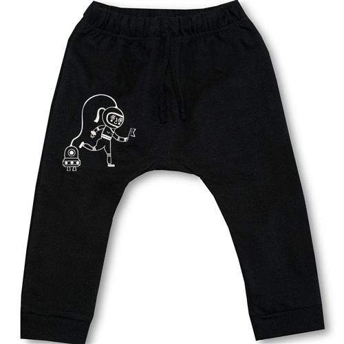 Baggy crne pantalone od organskog pamuka