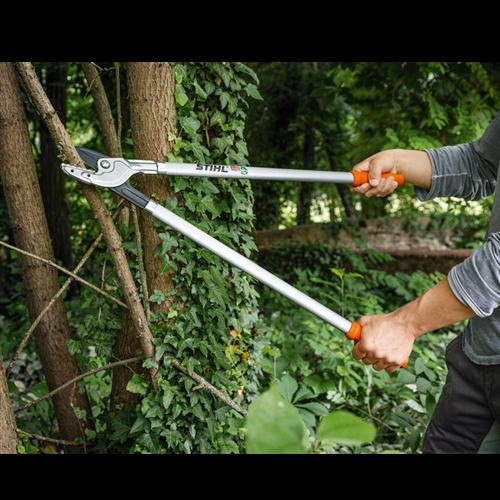 Ručni alat za održavanje drveća i žbunja